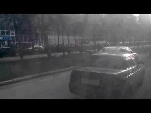 Избиение женщины после ДТП. ШОК, ЖЕСТЬ!!! Man Beat A Woman After Crash