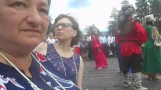 Танцы и песни на VII международном форуме