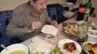 Кушаем Армянский ХАШ(Я с моими друзьями приготовили армянский суп ХАШ. Скажу сразу, я наблюдал и помогал, а еще снимал на телефон...., 2016-11-12T08:46:04.000Z)