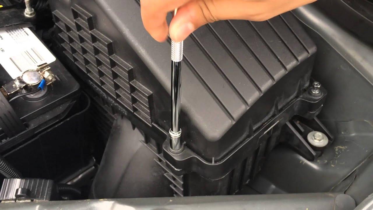 2005-2010 Honda Odyssey Engine Air Filter Change