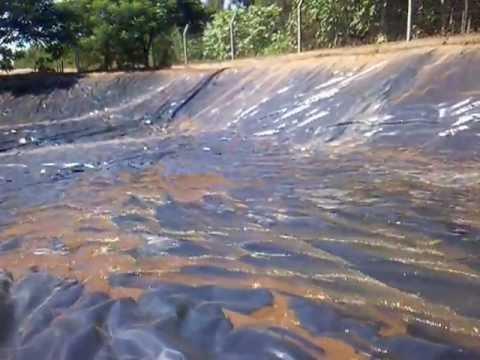 Reservorio de agua para riego de 2250 m2 youtube for Estanques para agua potable