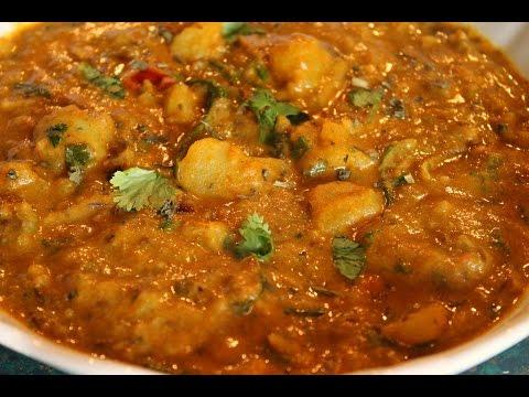 Spicy Potato Curry - Side Dish For Chapati / Puri / Roti / Bread