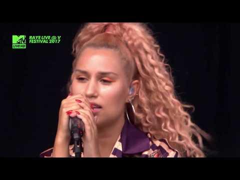 RAYE - Shhh LIVE @ V FESTIVAL 2017
