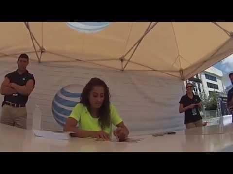 WNBA PLAYER TULSA SHOCK Skylar Diggins Signing Autogarph