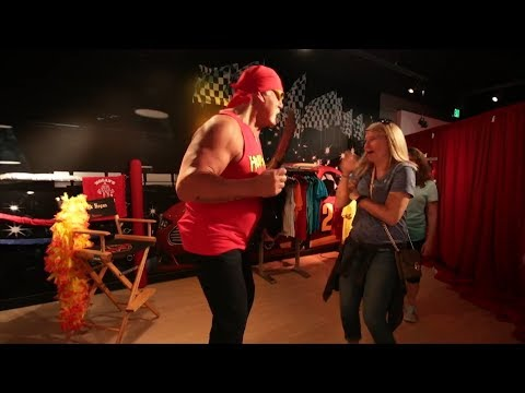 Hulk Hogan Scares People While Pretending To Be Wax Statue