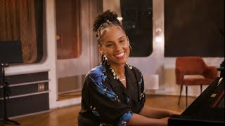 Alicia Keys & Shawn Mendes - Gramercy Park