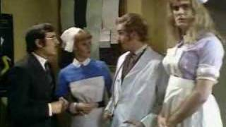 Monty Python - Me Doctor