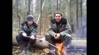 способ выживания с одним ножом(мы с сыном решили попробовать повыживать в лесу с одним ножом ... Этот ролик обработан в Видеоредакторе..., 2016-08-21T20:20:37.000Z)