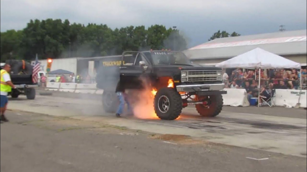 Big Diesel Trucks wrestle Who is Stronger