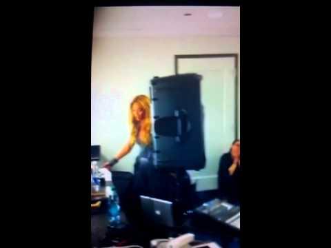 Beyonce 1+1 in dressing room