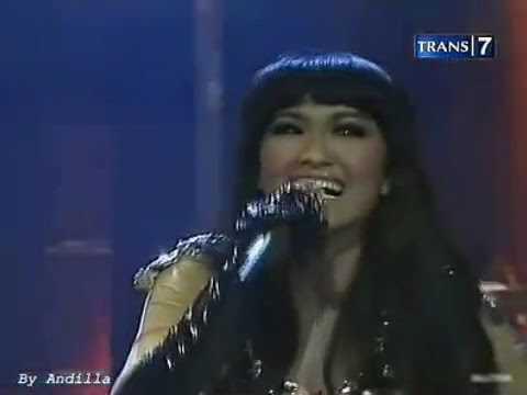 Julia Perez - Belah Duren @trans7_bem ©2012