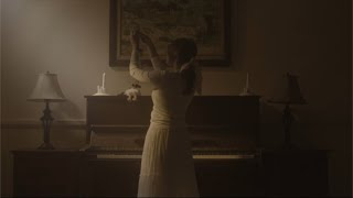 Nadin Amizah - sebuah tarian yang tak kunjung selesai (Official Lyric Video)