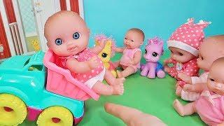 Куклы Пупсики Катаются и Играют в Машинки на Детской Площадке. Игрушки Зырики ТВ Детский канал