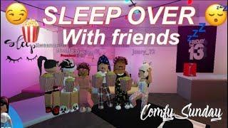 Roblox Bloxburg  Spooky Sleep Over With Friends!!!