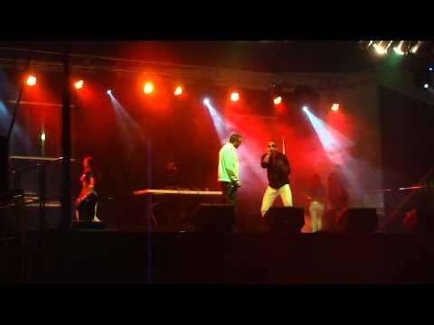 De La Cama Al Piso Live @ Coliseo Raymond Dalmau