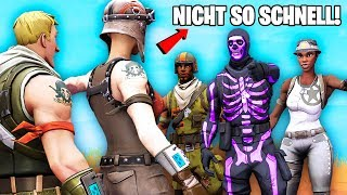 a RECON EXPERT clan bullies a NOSKIN but then sees RENEGADE RAIDER and that happens. (Fortnite)
