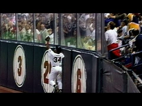 1991-ws-gm6:-puckett's-amazing-leaping-grab-at-the-wall