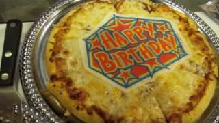 Video Scott Eats Birthday Pizza at International Pizza Expo in Las Vegas download MP3, 3GP, MP4, WEBM, AVI, FLV Desember 2017