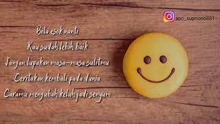 Download Senyum - Andmesh Lirik (Official Music Video)