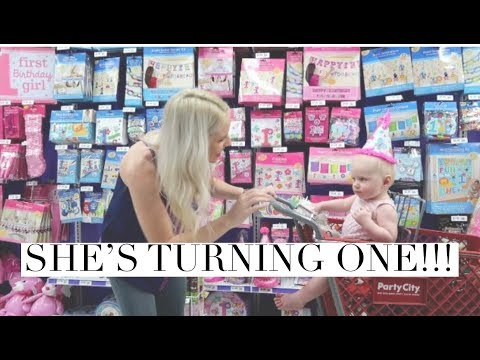 FIRST BIRTHDAY SHOPPING AND STOPPING FORMULA?! / Daily Vlog