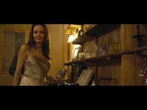 Behind the Scenes: Angelina Jolie überzeugt im neuen Kampagnen-Video mit Frauenpower