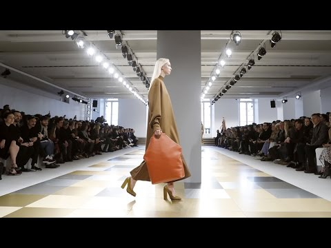 Jil Sander | Fall Winter 2017/2018 Full Fashion Show | Exclusive