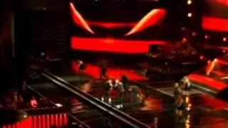Wisin y Yandel - Besos Mojados - La Revolución Live 2010
