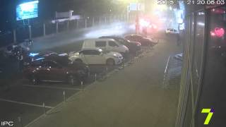 Смертельное ДТП в Одессе (видео с камер наблюдения)(У 7 канала появилось видео столкновения двух машин, в результате которого погибли шестеро человек. Напомним..., 2015-11-23T15:07:26.000Z)