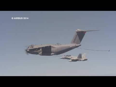 Airbus A400M refuels an  F-18 fighter for the first time