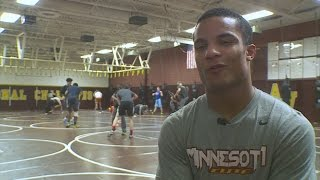 Gambar cover Apple Valley's Hall Goes For 6th State Wrestling Titles