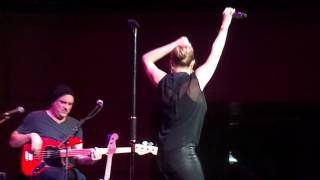 LeAnn Rimes - Life Goes On (Live At The Royal Concert Hall, Glasgow 15.09.13)