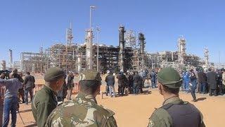 残る弾痕、黒焦げの窓 アルジェリア人質事件の現場公開