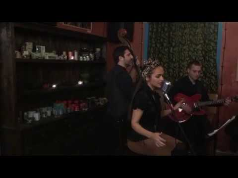 'tain't what you do - DESY & The Shiny Stockings