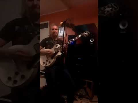 Dave Daniels live video singing the way you move your body.