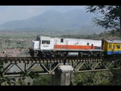 Kompilasi Video Kereta Api di Petak Lebakjero - Leles