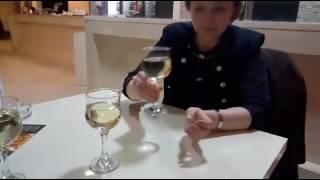 Приступим к дегустации виноградного вина в кафе Retro, пока жду Аджарский хачапури.(, 2017-02-26T07:55:02.000Z)