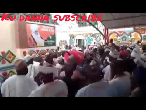 Download Video na Gawar Sarkin zazzau lokacin da aka shigo da ita gidan sarautar zazzau daga kaduna.