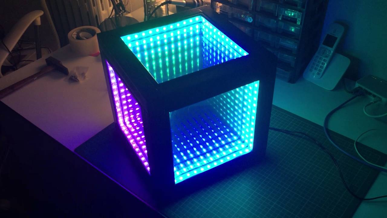 Infinite Mirror Cube - 2/6 - Arduino Nano / Neopixels - Color Wipe effect