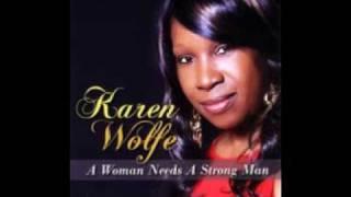 Zapętlaj Man Enough by Karen Wolfe | MultiYoung85