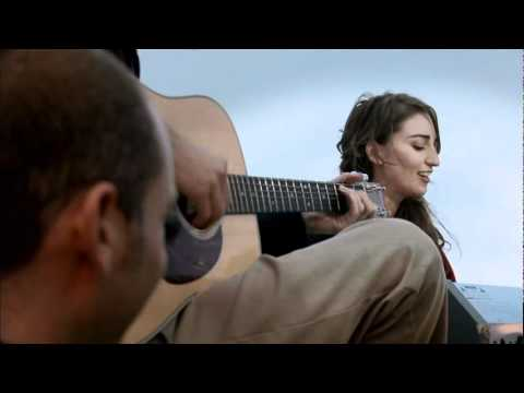Sara Bareilles - Bottle It Up (Houseboat Performance)