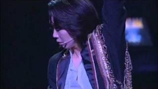 2009年・「愛と青春の宝塚」大阪梅田公演の出待ち光景です。寒い中1時間...