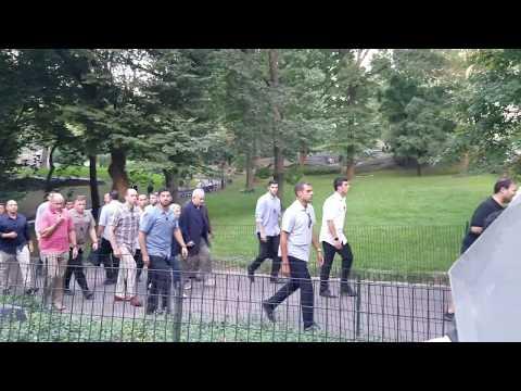 Israeli Prime Minister Benjamin Netanyahu & Sara Netanyahu Stroll Through Central Park In NYC