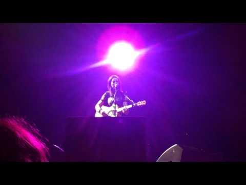 Born to Run - Amy MacDonald Live @ Heineken Music Hall 16/11/2010