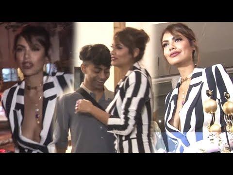 Esha Gupta Show At Launch Of Mrinalini's Candy Crush Jewellery | Bollywood Events