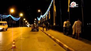 ВАЗ 21104 упал с горьковского моста в Керчи