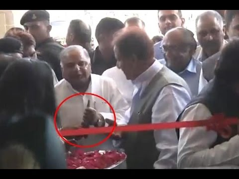 Mulayam gets angry during inauguration of CM Akhilesh's office