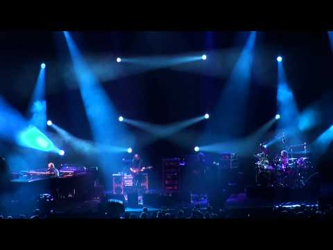 Phish | 10.30.10 | The Squirming Coil