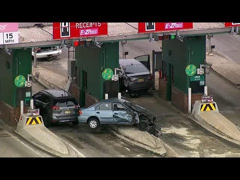 Deadly toll booth car accident on Garden State Parkway - YouTube