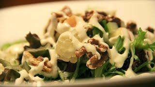 Вкуснейший салат с ананасами, сельдереем и яблоками. Салат Вальдорф.Waldorf salad.