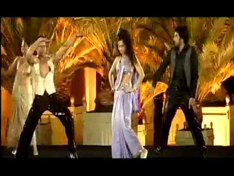 Eijaz Khan performing Desi Girl